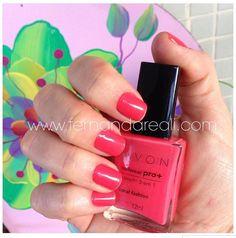 #unhas com #esmalte @avonbrasil #cor #Coral Fashion. Trabalho caprichado da #manicure Dai na #esmalteria #copacabana  #unha #unhaspintadas #unhadasemana #nail #nails #nailpolish #vernisaongle #nagellack #ногти #маникюр #smalto #unghie #lak #nehty