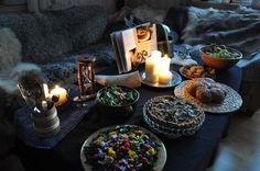 skyrim decorations for a skyrim party (: Skyrim Food, Skyrim Game, Juegos Offline, Friend Wedding, Our Wedding, Nerd Party, Elder Scrolls Skyrim, Gamers Anime, Room Themes