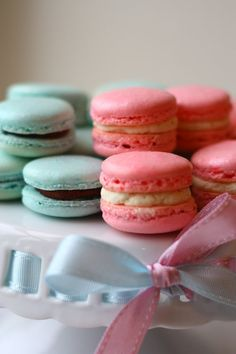 Pink.... or Blue? ~ Macarons for a Gender Reveal Party