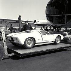 vanderbeer: 1964 Ford GT40 Prototype (via supercars) ✏✏✏✏✏✏✏✏✏✏✏✏✏✏✏✏ IDEE CADEAU / CUTE GIFT IDEA ☞ http://gabyfeeriefr.tumblr.com/archive ✏✏✏✏✏✏✏✏✏✏✏✏✏✏✏✏