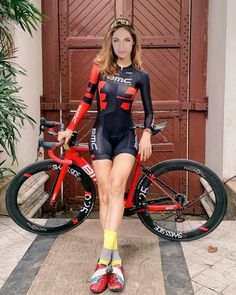Curves and Lines: Women and Bikes Triathlon, Mtb, Biker Bar, Female Cyclist, Cycling Girls, Bicycle Girl, Lycra Spandex, Tight Leggings, Road Bike