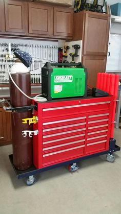 Tig cart build Welding Cart, Welding Rigs, Welding Table, Welding Ideas, Welding Projects, Home Workshop, Garage Workshop, Garage Storage, Storage Rack