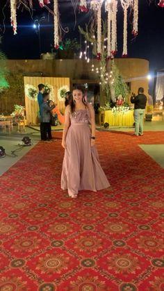 Party Wear Indian Dresses, Designer Party Wear Dresses, Indian Gowns Dresses, Dress Indian Style, Indian Fashion Dresses, Indian Wedding Outfits, Indian Designer Outfits, Indian Outfits, Indian Wear