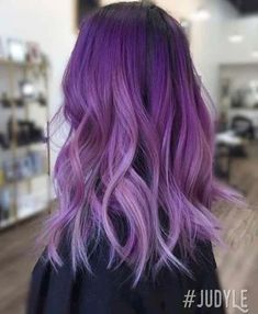 Majestic Purple Hair Style Ideas * Page 6 of 12 - purple hair dark,purple hair light,purple hair Purple Hair Black Girl, Bright Purple Hair, Short Purple Hair, Purple Hair Highlights, Hair Color Purple, Hair Dye Colors, Brown Hair Colors, Cool Hair Color, Purple Wig