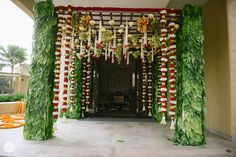Mars event Planners has many Thadakala Pandiri Decorators in Hyderabad and also Our decoration team offers a variety of beautiful pelli mandapam designs with price that are in of trend for all occasions.