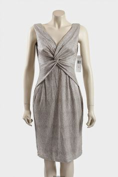 Stunning Ivory Gold Metallic Formal dress / Cocktail Dress from Ralph Lauren. The dress is very flattering with a knot twist at the front and comes in size Metallic Formal Dresses, Metallic Cocktail Dresses, Premium Brands, Knot, Size 12, Ivory, Ralph Lauren, Gold, How To Wear