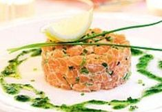 Salmon tartare - def need to reportion this, don't want to feel full after the first course. This can't be made days or weeks ahead, but it is easy and on the day self it can be made in the morning. Fish Recipes, Appetizer Recipes, Great Recipes, Tapas, I Love Food, Good Food, Yummy Food, Cooking Recipes, Healthy Recipes