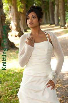 Hey, I found this really awesome Etsy listing at http://www.etsy.com/listing/119523818/knitting-pattern-wedding-shrug