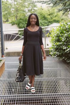 Midi skirts are dressy whether dressed up or dressed down. Style Diary, Midi Skirts, Pedicure, Stylists, Dress Up, Dresses For Work, Touch, Sandals, Chic