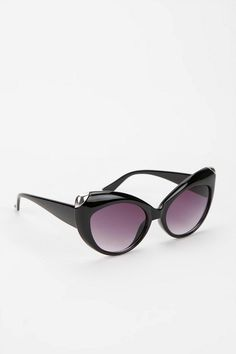 Tipped Cat-Eye Sunglasses #urbanoutfitters