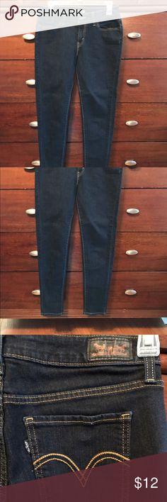 Levi's stretch legging jean Re-poshing these size 9 jean legging. I didn't realize they were size SHORT. They are a 9, but I usually wear size 6 in jeans and fit!!! Levi's Pants Leggings