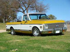 Old Chevy Pickups, Chevy C10, Chevrolet Trucks, Truck Tool Box, Classic Chevy Trucks, Square Body, Gm Trucks, Crazy Dog, Custom Trucks