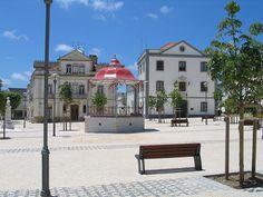 Sobral de Monte Agraço coreto câmara.jpg