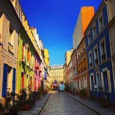 Paris, rue Crémieux. #parisjetaime#visitparis #parisWeLoveYou #parigi #パリ#باريس#巴黎#cityscapes #skyline #vscocam #vscobest #vsco #ig_exquisite#wonderful_places #wanderlust #greatesttravels #exploreeverything #neverstopexploring #ig_captures #magic__photography #streetphotography #theparisguru #parisjetaime #architecture #city_explore #morning #beautifuldestinations #stayandwander #rainbow #streetphotography #Paris #parisian