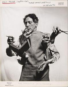 Jean Cocteau, l'artiste multidisciplinaire, 1949. Photo by Philippe Halsman
