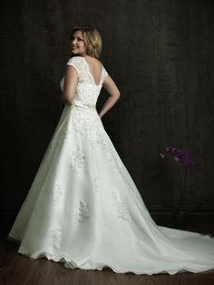 Allure Bridals: Style: W271, in stock, sample size 22W-Bridal Boutique, Saint Joseph, Missouri 816-233-6946