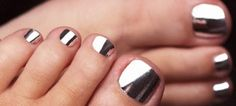 silver minx nails- love for winter toes!