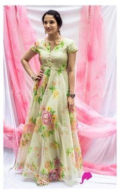 Designer Anarkali Dresses, Designer Party Wear Dresses, Kurti Designs Party Wear, Salwar Designs, Stylish Dresses For Girls, Stylish Dress Designs, Designs For Dresses, Long Gown Dress, Saree Dress