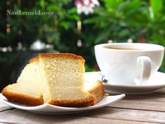 I feel myself still have long way to master in baking, like this an example of Castella cake , I only success on the 4th attempt (thoug...