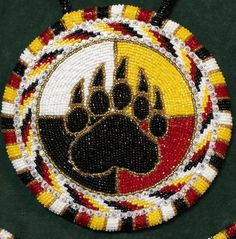 Tips for Buying Native American Indian Jewelry Indian Beadwork, Native Beadwork, Native American Beadwork, Beaded Earrings Native, Native American Jewelry, Bead Earrings, Native Beading Patterns, Beadwork Designs, Seed Bead Patterns