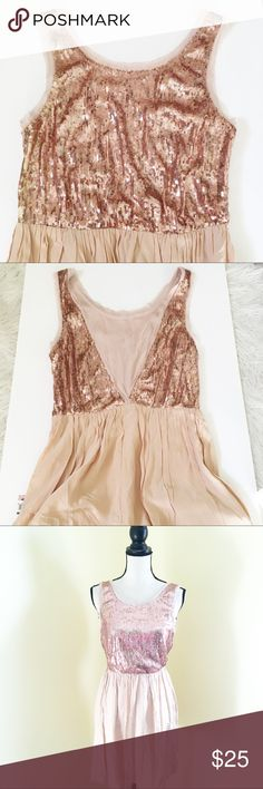 Rose Gold Sequin Dress Stunning and enchanting, in NWOT condition. Never worn. Fits a 4 best! Tag has been cut out, otherwise in like new condition. Monteau Dresses Midi