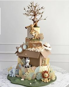 ❤ - Safari cake for 1 birthday party!🍰 Its so special cake! by To A Perfect Cake 🍰 Baby Cakes, Themed Birthday Cakes, Themed Cakes, 1st Birthday Parties, Cupcake Cakes, Gateau Baby Shower, Baby Shower Cakes, Rodjendanske Torte, Safari Theme Birthday