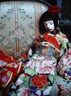 Doll / Miyo (1994). Doll artist / Koitsukihime. Photograph / Sakichi Kataoka. / Mariacuore photocard