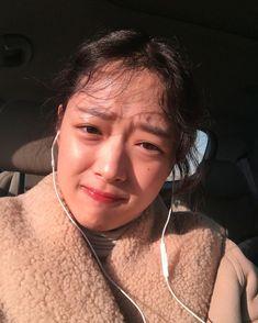Sulli Choi, The Cure, Peach, Hoop Earrings, Instagram Posts, Beauty, Beautiful, Women, Swan