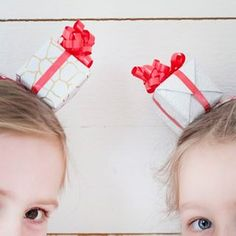 World Map Party Theme – Pretty Pinwheels - Pysselbolaget Instead Of Flowers, Paper Fans, Hair Bands, Easy Crafts For Kids, Pinwheels, Pretty Hairstyles, Kids And Parenting, Art Dolls, Garland