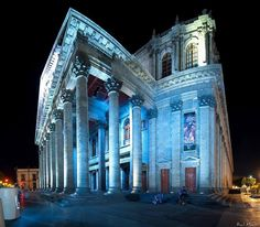 El Teatro Degollado (The Degollado Theater), one of the greatest architectural and artistic icons of Mexico, within its walls contains, great stories and experiences that make this a unique place in the roots and pride of Guadalajara the capital of Jalisco