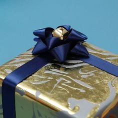 3 Fancy AF Ways To Turn A Gift Bow Into The Real Gift