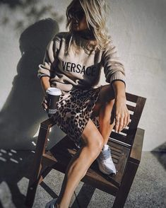 comfy fall outfit idea with a leopard skirt : sneakers and sweatshirt Comfortable autumn outfit idea New Fashion, Trendy Fashion, Autumn Fashion, Fashion Outfits, Womens Fashion, Fashion Trends, Comfy Fall Outfits, Casual Summer Outfits, Stylish Outfits