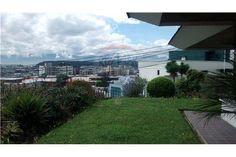 Casa - De Venta - Quito, Ecuador