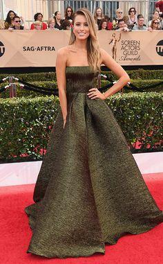 Renee Bargh: 2017 SAG Awards: Red Carpet Arrivals