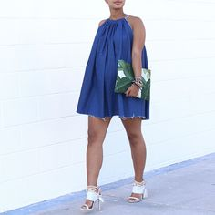 Back at it again with the denim summer dress! I just had to make it in a dark wash, because, why not? Paired it with a summer c...
