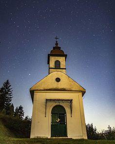 Smolnícka kaplnka  #praveslovenske od  @makbedrik Temples, Castles, Gazebo, Outdoor Structures, Instagram, Kiosk, Temple, Pavilion, Chateaus