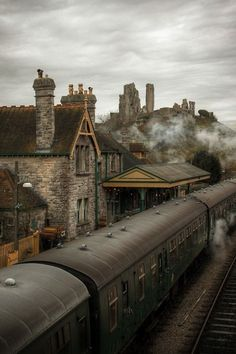 I love trains. The wizard express, Corfe castle, Dorset, England Alnwick Castle, Corfe Castle, Places To Travel, Places To See, Beautiful World, Beautiful Places, Trains, England And Scotland, Dorset England