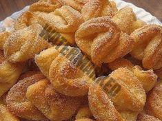 Univerzální tvarohové těsto: Jednoduchý recept na mnoho variant pečení sladkého pečiva. Snack Recipes, Cooking Recipes, Snacks, European Cuisine, Breakfast Cake, Onion Rings, Sweet Tooth, Bakery, Deserts
