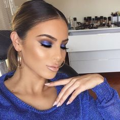 Blending with Blues 💙 @makeupby_christina used #morphebrushes ✨ Her go-to tools for her signature makeup looks! #morphegirl