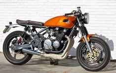 Zephyr 550 by ÑRT Classics | Inazuma café racer Kawasaki Cafe Racer, Suzuki Cafe Racer, Kawasaki Motorcycles, Cafe Racer Motorcycle, Cafe Racers, Bobber Custom, Custom Motorcycles, Custom Bikes, Kawasaki Zephyr