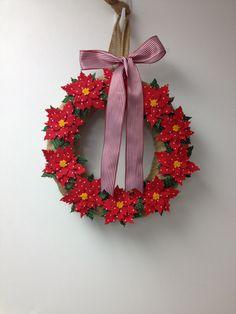 Christmas wreath sizzix Tim holtz poinsettia  die cut burlap felt fabric polka dots pairofpetals.com
