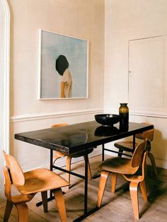 Bent plywood chairs and modern table
