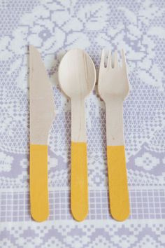 Embrace your love of colorblocking at your wedding with some simple flatware.