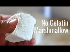 No Gelatine Marshmallow - Eggless Marshmallow - Vegetarian Marshmallow Gelatin Free Marshmallows, Vegetarian Marshmallows, Homemade Marshmallow Fluff, How To Make Marshmallows, Recipes With Marshmallows, Homemade Marshmallows, Marshmallow Recipe Without Gelatin, Vegan Rice Krispie Treats, Vegan Treats