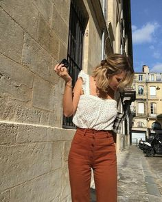 Perfect Spring Outfits to Wear Now Vol. 3 – Wachabuy Perfect Spring Outfits to Wear Now Vol. 3 Perfect Spring Outfits to Wear Now Vol. Look Fashion, Fashion Outfits, Fashion Trends, French Style Fashion, Minimalist Fashion French, French Girl Style, French Girls, 80s Fashion, Daily Fashion