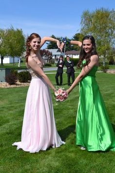 senior prom, best friends <3
