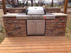 Diy outdoor grill island landscaping ideas new Ideas Backyard Kitchen, Outdoor Kitchen Design, Backyard Patio, Outdoor Kitchens, Patio Bed, Outdoor Bbq Kitchen, Kitchen Grill, Patio Curtains, Diy Kitchens