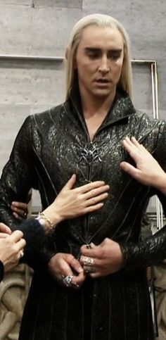 So do you think the wardrobe mistresses enjoy their job?  #LeePace as #Thranduil behind the scenes. 2 of 2.