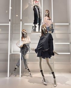 """ZARA, London, UK, """"Dream Catchers"""", photo by The Displayer, mannequins by Atrezzo Mannequins, pinned by Ton van der Veer"""