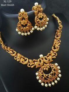 First night jewellery Gold Earrings Designs, Gold Jewellery Design, Necklace Designs, Gold Jewelry, Jewelery, India Jewelry, Jewelry Patterns, Bridal Jewelry, Antique Jewelry